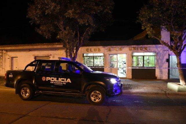 El club La Unión fue centro de un ataque a balazos esta noche.