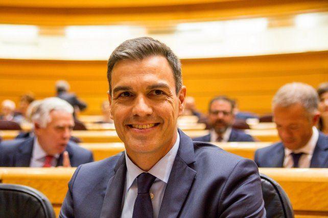 Pedro Sánchez publica su tesis doctoral y niega acusaciones de plagio