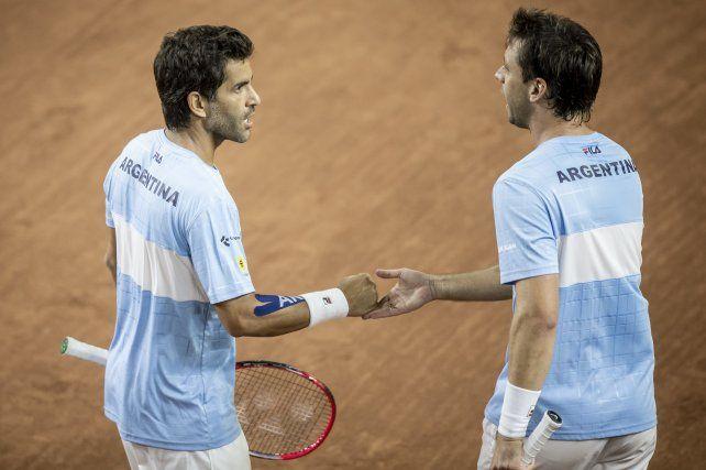 La pareja de González y Zeballos busca ganar el dobles para cerrar la serie ante Colombia.
