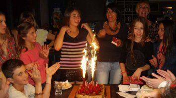 En redes. La foto de un cumpleaños de Cony publicada en Facebook.