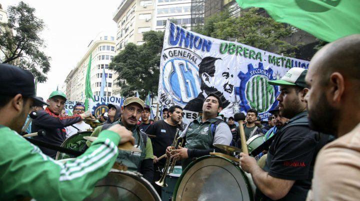 En la calle. La crisis económica golpeó con fuerza a la clase obrera.