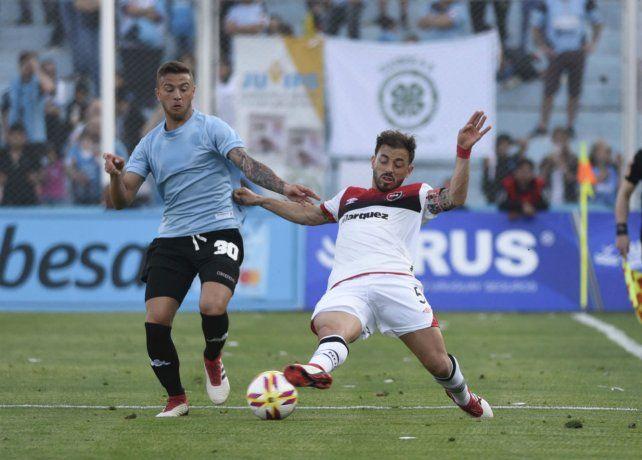 Es mía. Bernardello va al piso y le gana la posición a Denis Rodríguez. El Cabezón resaltó la necesidad de conseguir un triunfo.