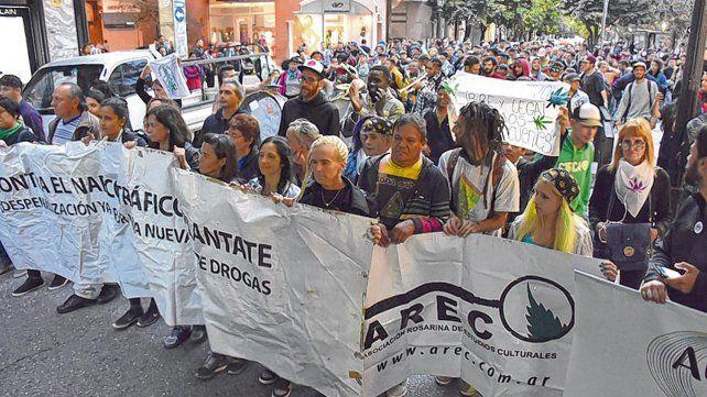 Contra la prohibición. En la última marcha por la legalización del cannabis se pidió una nueva ley de drogas.