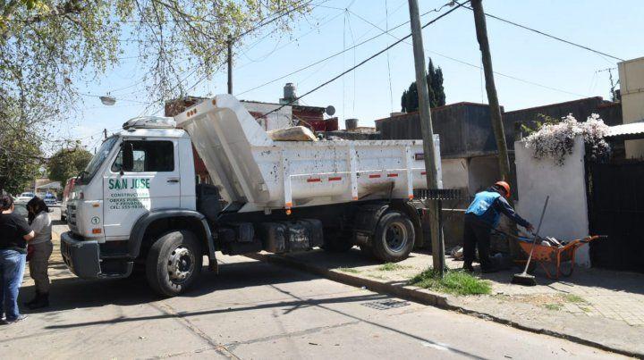 Sacan más de tres camiones de basura de una vivienda en barrio Industrial