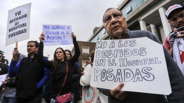 cesanteados. Reclamo de trabajadores del Hospital Posadas.