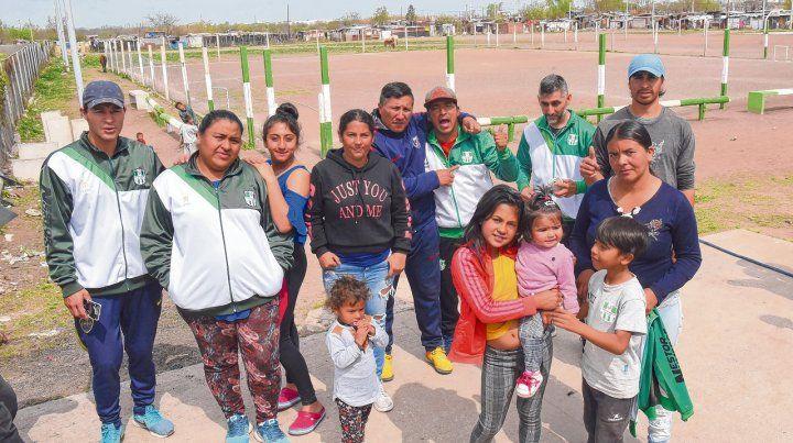 El club Amistad representa un valioso instrumento social de integración en el corazón del barrio Las Flores.