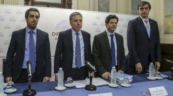 Tijeras. El ministro de Hacienda, Nicolás Dujovne, presentó el proyecto de presupuesto 2019 en el Congreso.