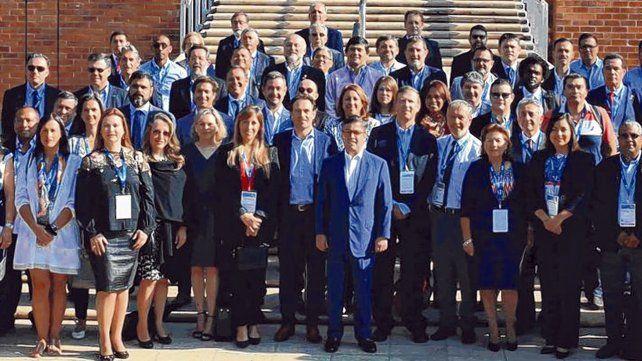 Foto protocolar. Los alcaldes de Latinoamérica