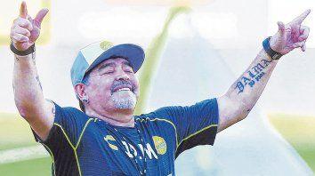 En su mundo. Diego festeja el triunfo de su equipo, Dorados de Sinaloa, que hasta el lunes sólo había cosechado 3 empates y otras tantas derrotas.