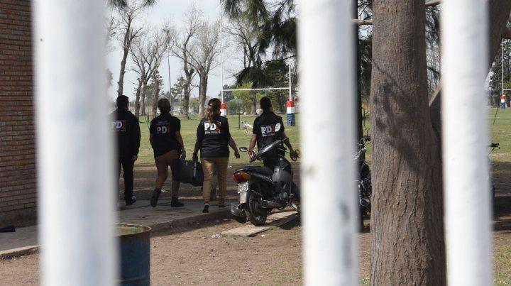 Disparan 20 tiros contra un empresario en brutal ataque frente a la escuela de sus hijos