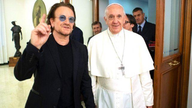 Bono y Francisco. Es un hombre extraordinario para tiempos extraordinarios