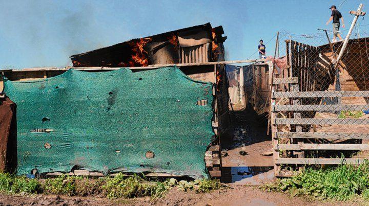 Incendio. Luego del episodio quemaron la casa de la madre de la acusada.