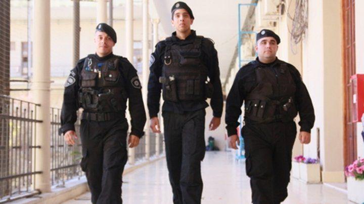 En gobernación. La provincia convocó ayer a los uniformados y los presentó formalmente.