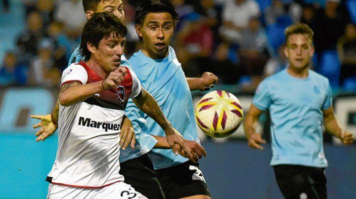 Ojos bien abiertos. Mauro Formica ingresó en el complemento ante Belgrano.