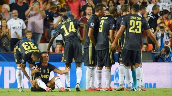 Dolor. Cristiano explota en llanto al ser expulsado por primera vez en Champions.