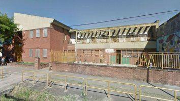 La comunidad de la escuela de zona oeste expresó su preocupación por el caso.