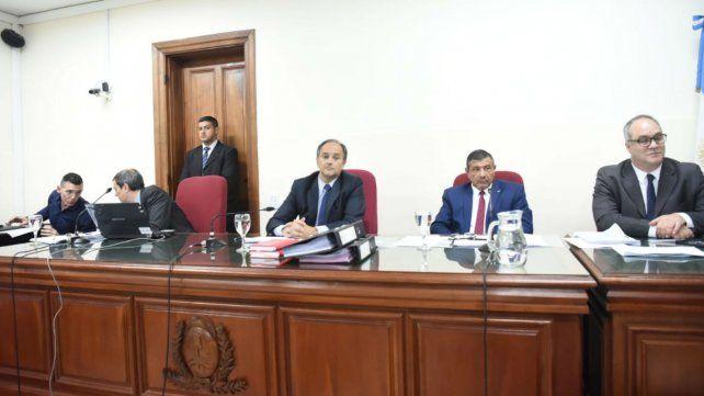 Los jueces Ricardo Vázquez, Eugenio Martínez y Osvaldo Facciano, en el arranque del debate.