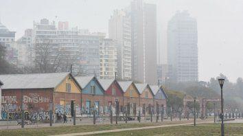 El 14 de septimbre, Rosario se cubrió de una mezcla de humo que venía de las islas y niebla.