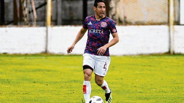 En el Gabino. Lalo Pérez confía en poder lograr la primera victoria ante Italiano.
