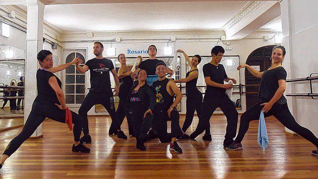 Desde la Escuela de Danzas promueven que las danzas típicas se aprendan en todas las escuelas.
