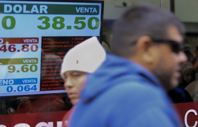 Respiro. La divisa norteamericana bajó algo tras un salto estratosférico.
