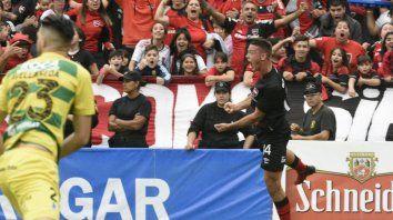 Alexis Rodríguez marcó el 1-0 ante Defensa y Justicia, en la penúltima fecha del torneo pasado.