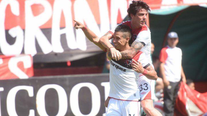 Sonrisa ancha. Víctor Figueroa celebra el gol de penal