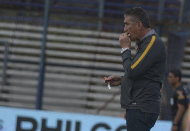Bauza responsabilizó al árbitro del empate