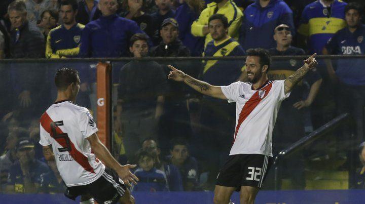 Nacho Scocco ingresó desde el banco y marcó el segundo para River.