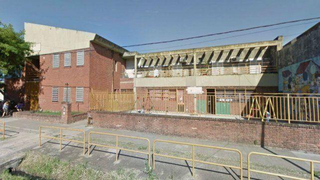 Cochabamba y Liniers. En la escuela de zona oeste continuará el período de recolección de pruebas.