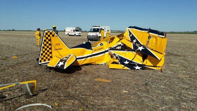 Pavoroso. El avión acrobático de Tati Angelini se estrelló ayer cerca de la localidad santafesina de Carreras.