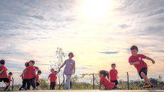 Una ONG busca construir un jardín de infantes