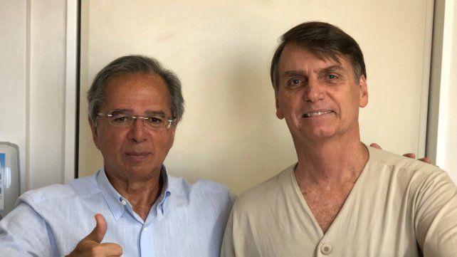 Dupla. Paulo Guedes y Jair Bolsonaro se mostraron ayer desde el sanatorio donde está internado el candidato.