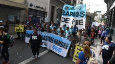 masiva marcha en rosario contra el ajuste del gobierno nacional