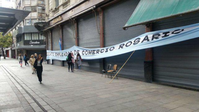 La peatonal Córdoba presentaba un paisaje diferente este martes.