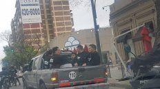 siete detenidos por amenazas contra locales comerciales que abrieron durante el paro
