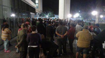 Familiares, amigos y compañeros de trabajo, entre otros, reclaman la liberación de los detenidos.