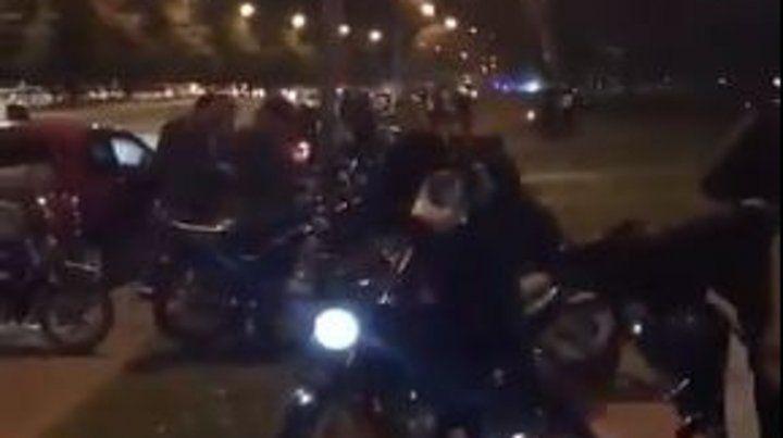 Descontrol. El grupo de motoqueros llegó a puro ruido