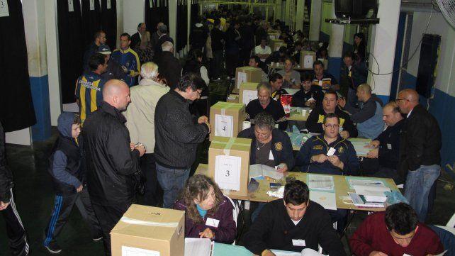 A las urnas. La última vez que se votó en Arroyito fue en octubre de 2014. El próximo domingo los socios canallas volverán a elegir autoridades.
