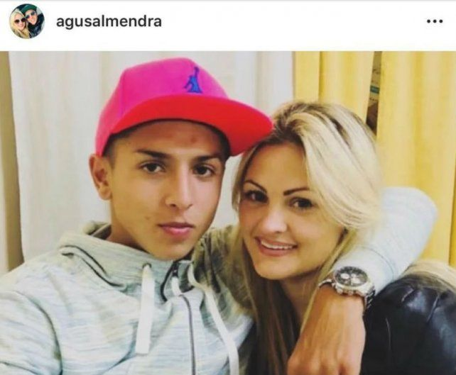 Agustín junto a su novia, Cecilia Fernanda Maciel.