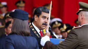 Maduro durante un acto con la cúpula militar, su mayor apoyo. Los generales dominan su gabinete.