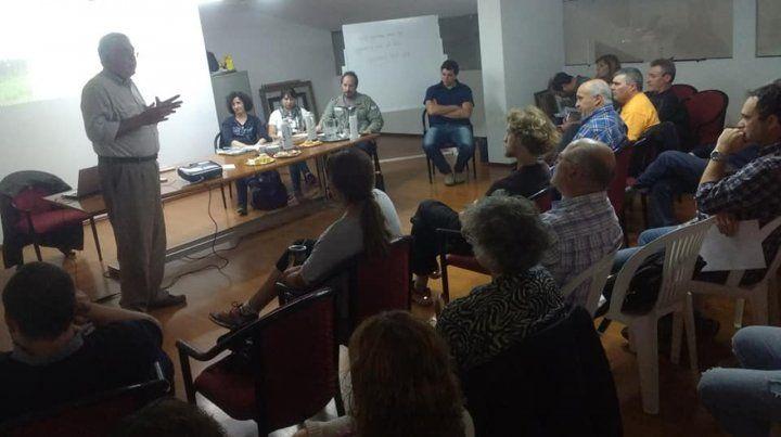 Múltiples reuniones. Pengue explicó el Proyecto Escudo Verde.