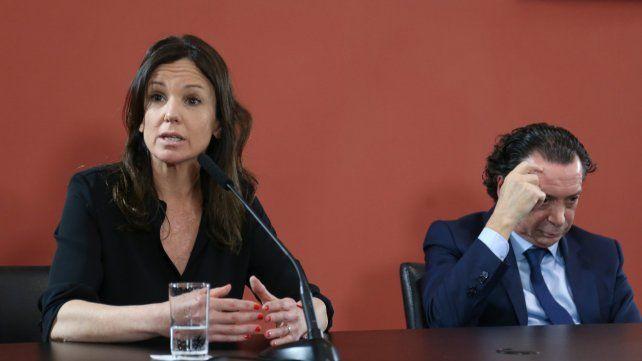 Compungidos. La ministra de Desarrollo Social y el ministro de Producción y Empleo analizaron las cifras.