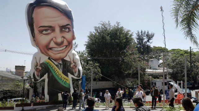 Bolsonaro debió corregir a su vice por proponer terminar con el aguinaldo