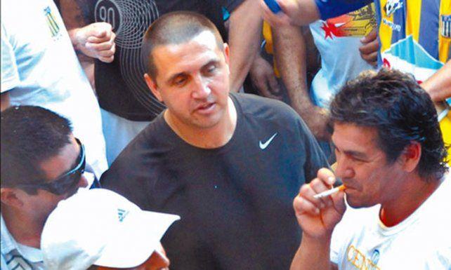 Le prohíben a Pillín Bracamonte, jefe de la barra de Central, el ingreso a la cancha en Buenos Aires