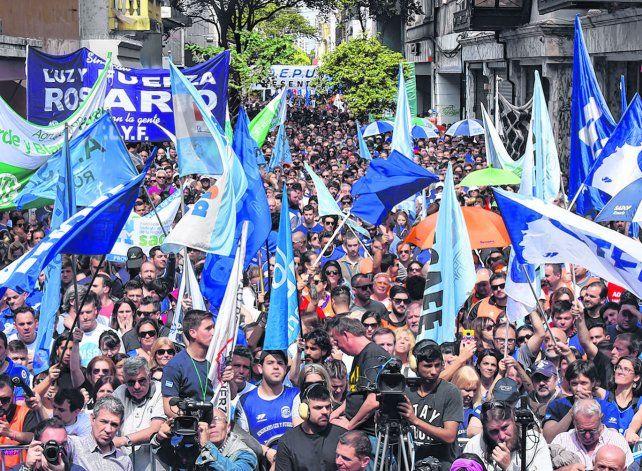 En el cruce de las peatonales se juntaron más de 20 mil personas en el acto del MSR