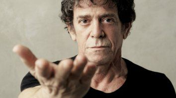 Lou Reed Remembered y Rock and Roll Heart se pueden ver por YouTube con subtítulos en español.