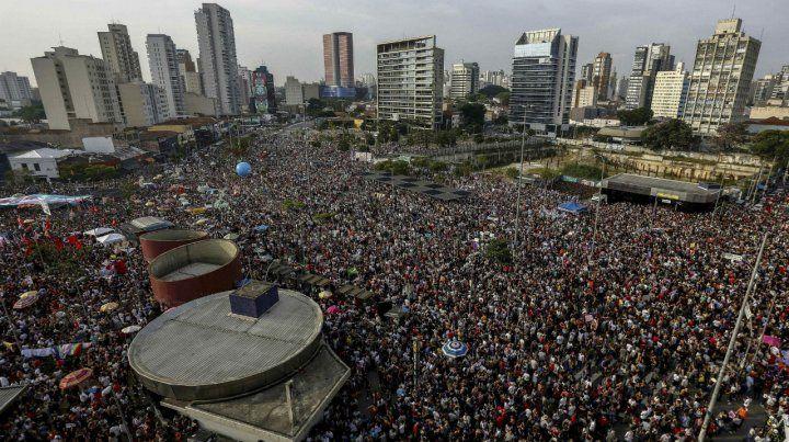 Masivo. La protesta en San Pablo fue tal vez la más numerosa y se congregó en la zona de Largo da Batata.