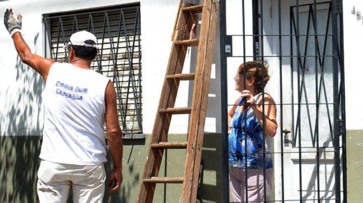 Prisioneros. En los barrios proliferan las rejas para proteger de la inseguridad tanto casas como comercios.