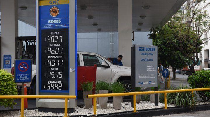 Actualización. La de los combustibles es una de las varias subas que impactarán en el bolsillo en estos días.